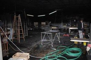 Oheň napáchal škody za približne 400-tisíc eur. Zamestnanci pekárne mali v nedeľu plné ruky práce.