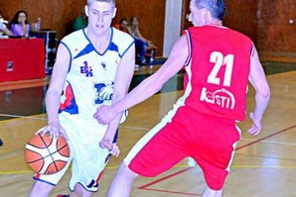 Michalovčania dvakrát zdolali Kovohuty. T. Mitterpák (vľavo) v dvojzápase zaznamenal 13 bodov.