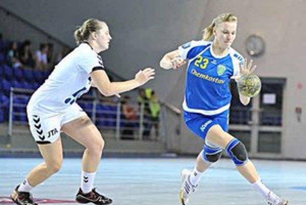 Natalia Vinyuková v akcii. V dvojzápase proti Porube vsietila spolu 5 gólov.