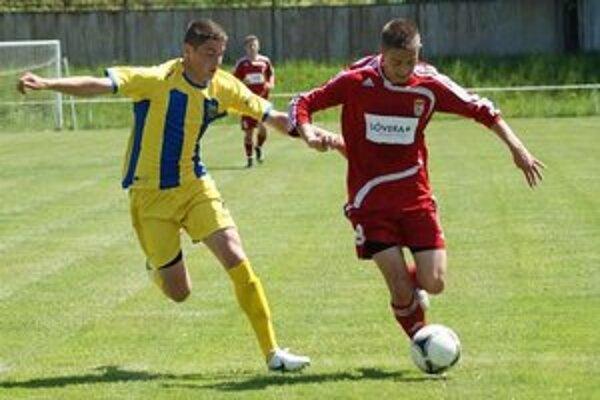 Žlto-modré farby vymenil za bielo-čierne. Atila Varga (vľavo) zamieril do Juventusu Turín.