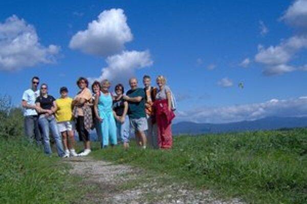 KST Turista. Pozýva na nenáročnú turistickú akciu.