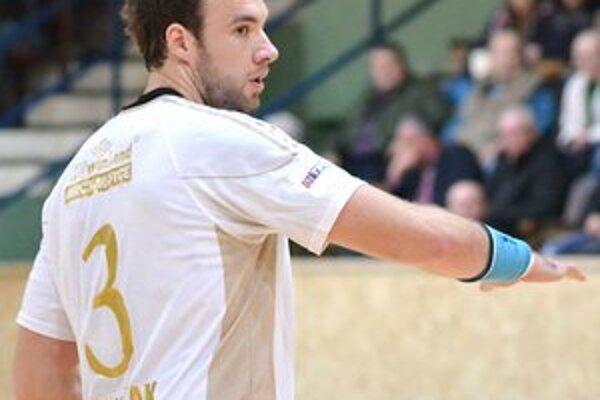 Kanonier Patrik Hruščák v Topoľčanoch zaznamenal 7 gólov.