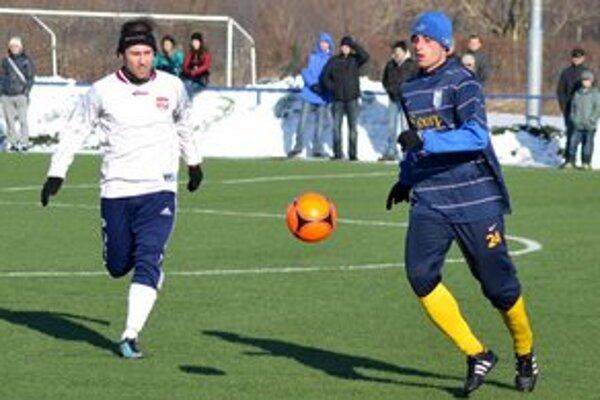 Opäť v michalovských farbách. Stanislav Smrek (vpravo) je v MFK Zemplín na skusoch.