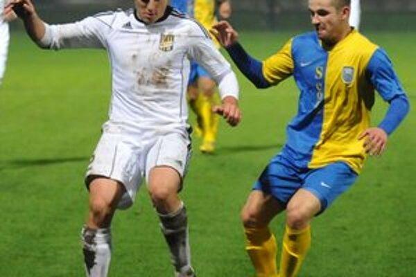 V Senci strelil druhý michalovský gól. Dominikovi Kuncovi (vpravo) sa podaril skórovať v 53. minúte.