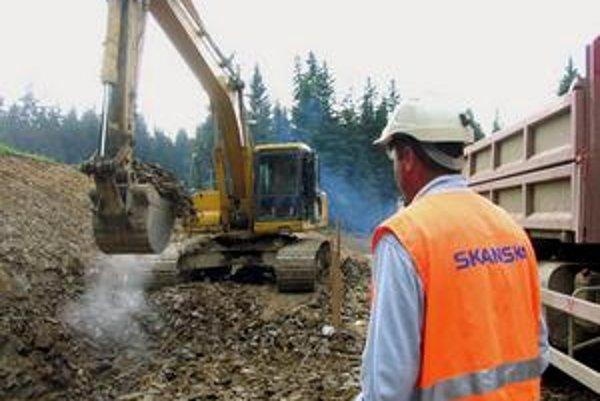 Skanska tvrdí, že by dokázala ušetriť pri výstavbe diaľnic.