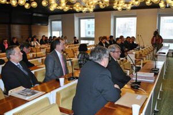 Posledné rokovanie. Mestské zastupiteľstvo v Snine už v tomto zoskupení rokovať nebude. Napriek tomu má mesto Snina schválený rozpočet aj plán investičných akcií.