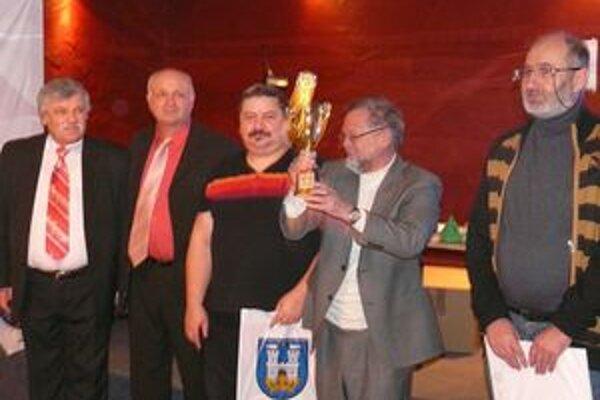 Karpatský pohár. Víťazmi v súťaži družstiev sa stali Michalovčania.