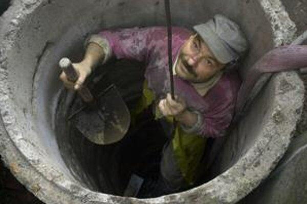 Studniari sa o prácu na východnom Slovensku nemusia báť, keď zo studne pili rodičia, stačí väčšinou aj ich deťom.