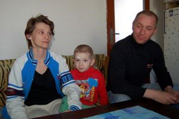 Rodičia v šoku. Podľa Ščúrovcov im omyl nemocnice spôsobil ujmu na psychike. Zvažujú, že budú žiadať odškodné.