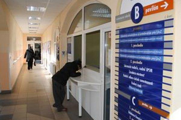 Úrad práce. V okresoch Michalovce a Sobrance je až 3,5–tisíca ľudí, ktorí už viac ako 4 roky nemali žiadnu prácu.
