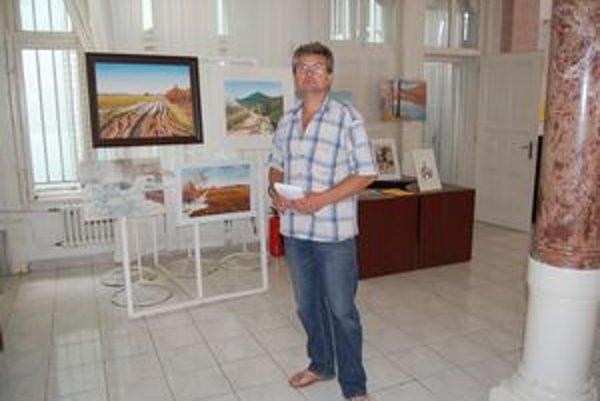 Autor Juraj Kováč. Venuje sa hlavne krajinomaľbe.
