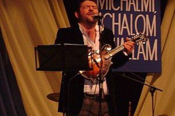 Moderátor Michal Hudák dve hodiny zabával publikum.