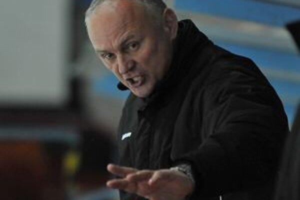 Tréner HK Dukla Miroslav Ihnačák. V utorok musel neraz zvýšiť hlas.