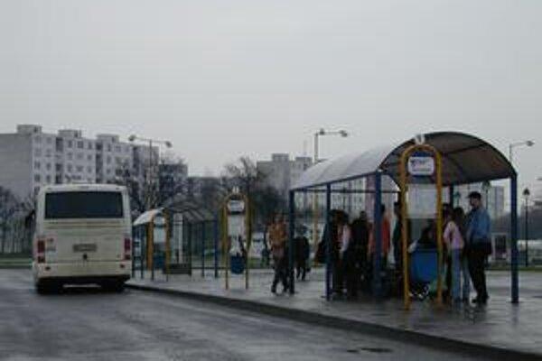 Mestská doprava. Strata dopravcu za rok 2008 predstavovala vyše 255-tisíc eur. Mesto ju zaplatilo.