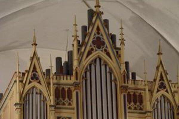 Humenčania. Organovú hudbu si môžu vychutnávať do 2. septembra.