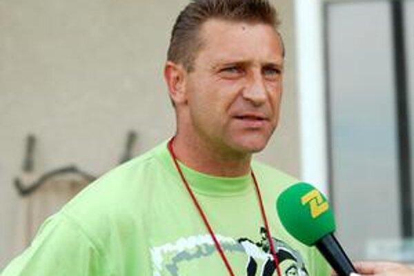 Milan Siksa. Tréner Sečoviec odštartoval s mužstvom prípravu na nový ročník.