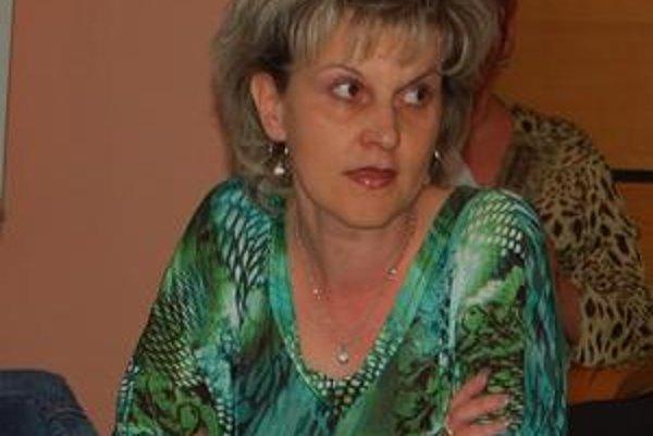 Poslankyňa Emese Ábelová. sa svojho práva žrebu vzdala, hoci bola v užšom výbere 15 uchádzačov, ktorí splnili podmienky.