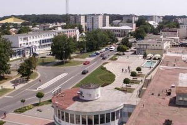 Napriek kríze a pesimistickým prognózam chce mesto Trebišov investovať do opravy hlavnej ulice.