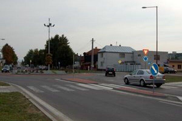 Kruhák pri Tescu. Stavbu zaplatili z mestskej kasy.