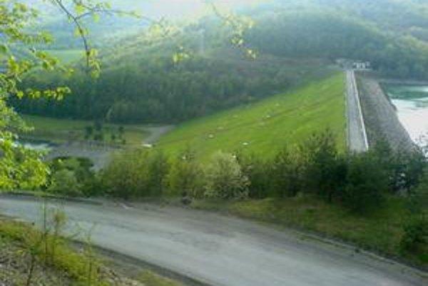 Starina. Michalovce a okolité obce sa na vodnú nádrž tak skoro nenapoja.