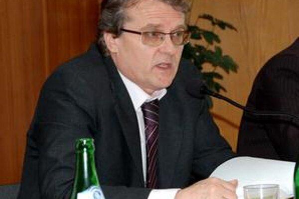 Primátor sa naštval. Vladimír Anďal bol najskôr ticho. Neskôr Chovancovi jeho návrhy vykričal a označil ich za nezmyselné.