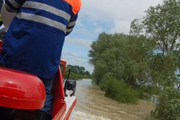 Povodňovú situáciu na zaplavenom Zemplíne stále pozorne monitorujú.