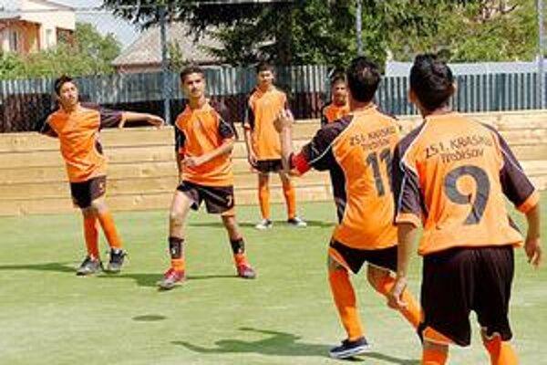 Pre všetkých. Nové ihrisko nebude slúžiť len futbalistom, ale všetkým rómskym deťom, ktoré chcú športovať.