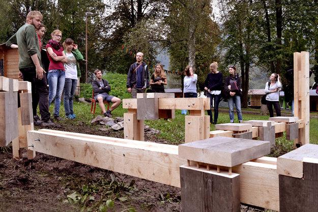 Študenti budú pracovať pod vedením skúsených architektov.