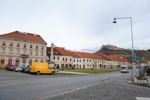 Spišské Podhradie. Je pred dokončením kanalizácie.