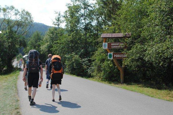 Podlesok. Počas letnej sezóny ho navštívi množstvo turistov.