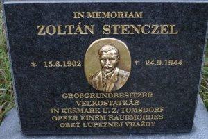 Pamätná tabuľa Z. Stenczela. V Spišských Tomášovciach pripomína násilnú smrť veľkostatkára.