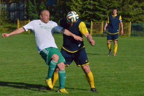 Veľký obrat. V nedeľu Folkmarčania zvíťazili aj zásluhou dvoch gólov kanoniera Mariána Beleja (vľavo).