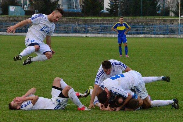 Do jarnej odvety zo šiesteho miesta. Futbalisti Spišskej Novej Vsi majú od futbalu na krátky čas pokoj. Od januára začínajú so zimnou prípravou.