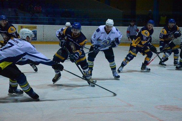 Na hokej v utorok. Posledný zápas základnej časti odohrajú Spišiaci v utorok so Senicou.