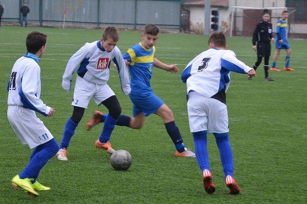 Zmrznutá remíza. V nedeľu za chladného počasia uhrali Spišiaci U14 s Vranovčanmi remízu 1:1.