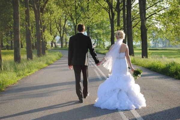 Manželstvo. Pri vzájomnom pochopení vydrží do staroby.