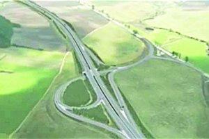 Križovatka Spišský Štvrtok. Končí tam súčasná trasa D1. Na novovybudovanú diaľnicu sa tam napojí súčasná cesta I. triedy č.18. Zároveň sa odtiaľ bude dať zísť smerom na Slovenský raj, Belianske Tatry ako aj termálne kúpaliská vo Vrbove a Gánovciach.