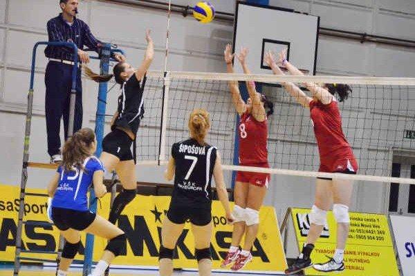 Päťsetová bitka. Volejbalistky Spišskej Novej Vsi odohrali výborný zápas s Bratislavou. Diváci videli veľkú päťsetovú drámu, s úspešnejším koncom pre hosťujúce hráčky.