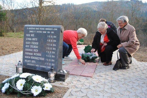 Cintorín poľských vojakov. Stal sa dôstojným miestom odpočinku.