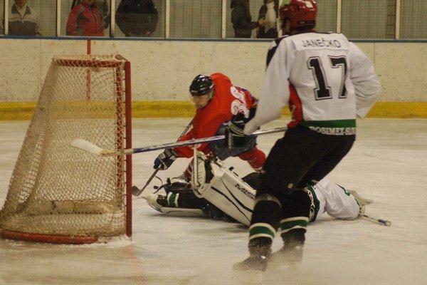 Dvojciferná prehra. S vysokou trinásťgólovou nádielkou vstúpili Gelničania do nového hokejového roka.