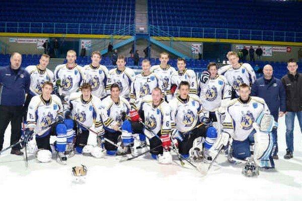 Juniori HK Spišská Nová Ves. Sezónu 2013/2014 začali veľmi zle, ale v jej závere zabojovali o záchranu a hrali aj o postup do play off.