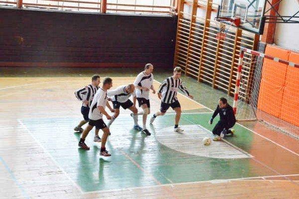 Krompašský memoriál. Na počesť Juraja Šoltésa sa vo februári hrá kvalitný halový turnaj v krompašskej športovej hale.