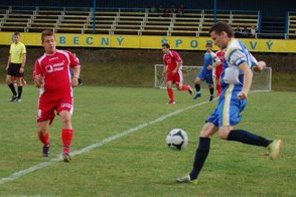 Futbal hrali aj po sezóne. Majstrovská časť sa pre Rudňancov skončila, ale pri futbale sa schádzajú naďalej.
