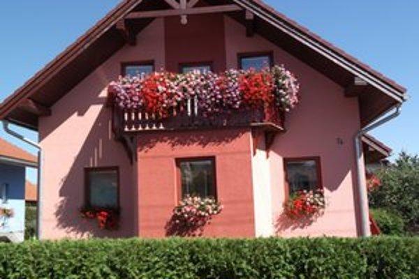 Okná a balkóny. Najkrajším boli rodiny Tarbajovej na Pribinovej 74.