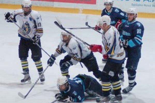 S jedným bodom. Juniori sklamali proti Nitre, ale prekvapili výkonom proti Slovanu.