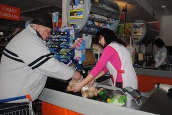 Supermarket na Tarči. Prevádzka fungovala vďaka generátoru.