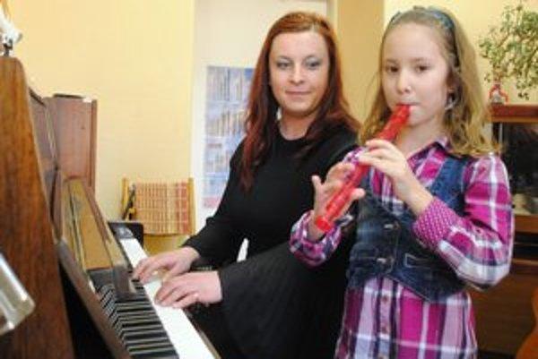 Talentovaná Lucka Leskovjanská. Na súťaž ju pripravovala učiteľka D. Kotradyová.