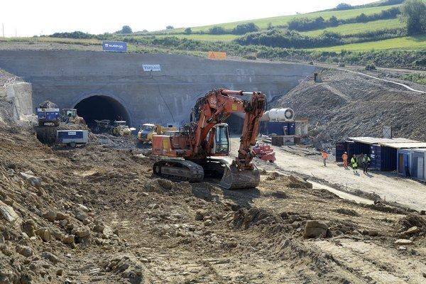 Stavba diaľnice si v pondelok vyžiadala ďalšiu obeť.