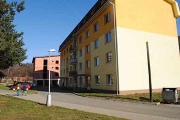 Mestské byty. Mesto odpustí úroky a poplatky z omeškania aj, napríklad, nájomníkom v mestských bytoch.