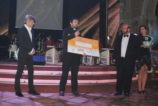 Charita. Hostia podujatia Ples Spišiakov prispeli sumou 10-tisíc eur zariadeniu v Žakovciach.